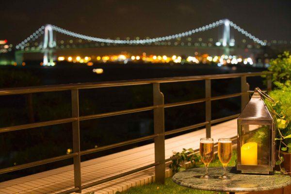 ロマンチックな夜景にうっとり。デートにもいいかも。