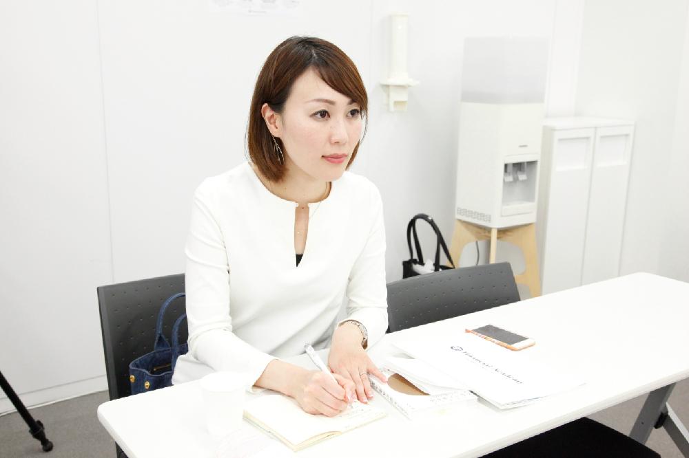 家計簿の付け方に興味津々だった久本さん。