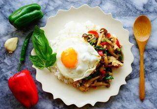 【ビタミンCたっぷり!】暑い夏こそ食べたい、ピーマンの『ガパオライス』!