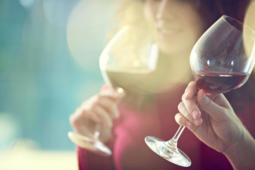 ワインは女子旅をオシャレに演出するマストアイテム!