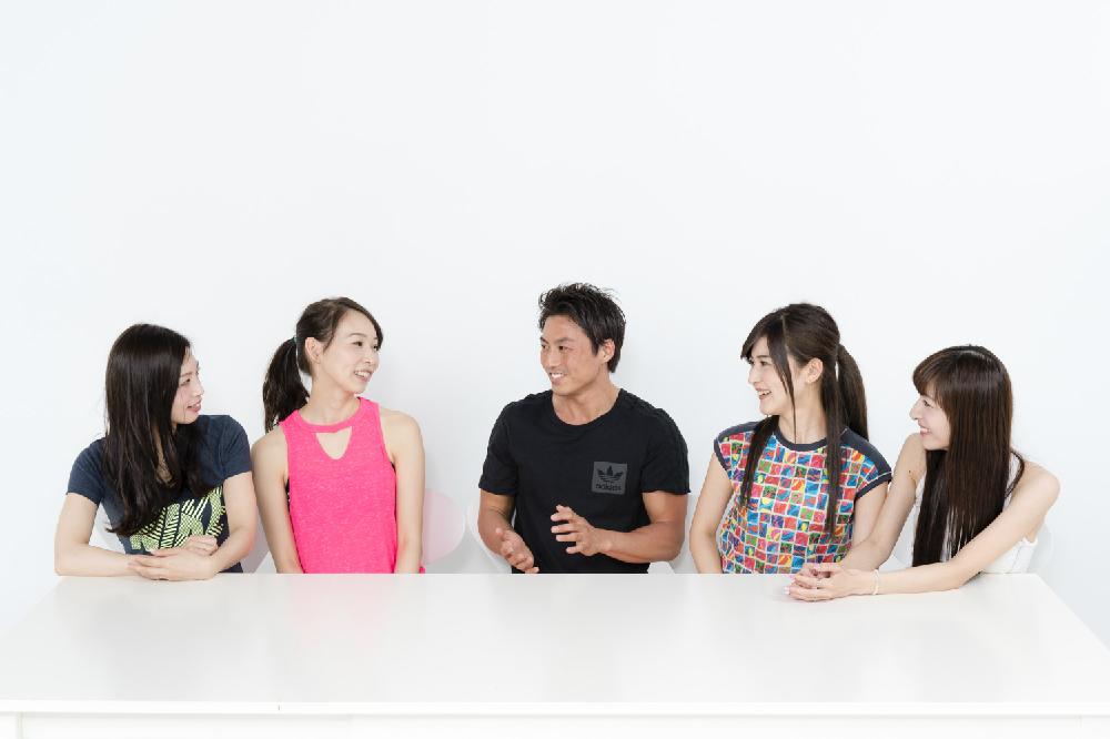 左から、上野仁美さん(no.27)、平沢由貴さん(no.75)、パーソナルトレーナー・相田直輝さん、SHINOさん(no.148)、五位渕のぞみさん(no.158)