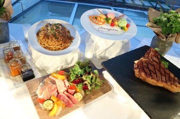 肉づくしコース(サラダ・パスタ・メイン・デザート)+フリーフロー、税込5,800円、サービス料別