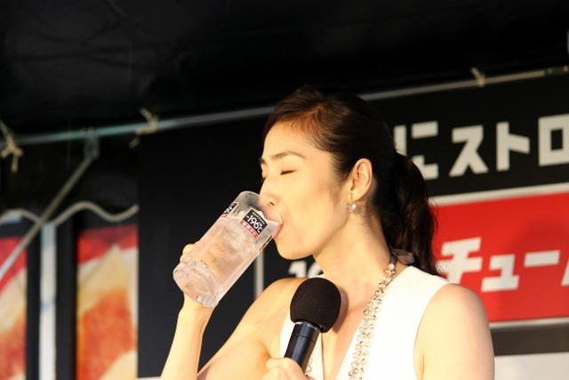 餃子天海さん飲んでいる