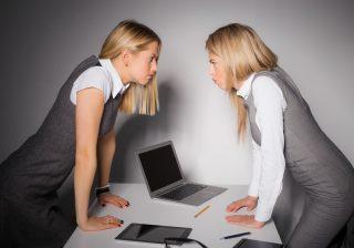 【イエスマンから卒業!】職場で上手に怒りを伝えるテク4選。