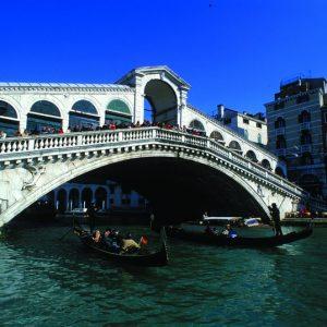 【イタリアへプチトリップ♪】巨大祭壇画に鳥肌! 『ヴェネツィア・ルネサンスの巨匠たち』展