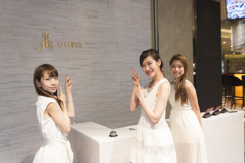 左から滝沢晴香さん(NO. 231)、御堂もにかさん(NO. 151)、古角夕貴さん(NO. 238)。