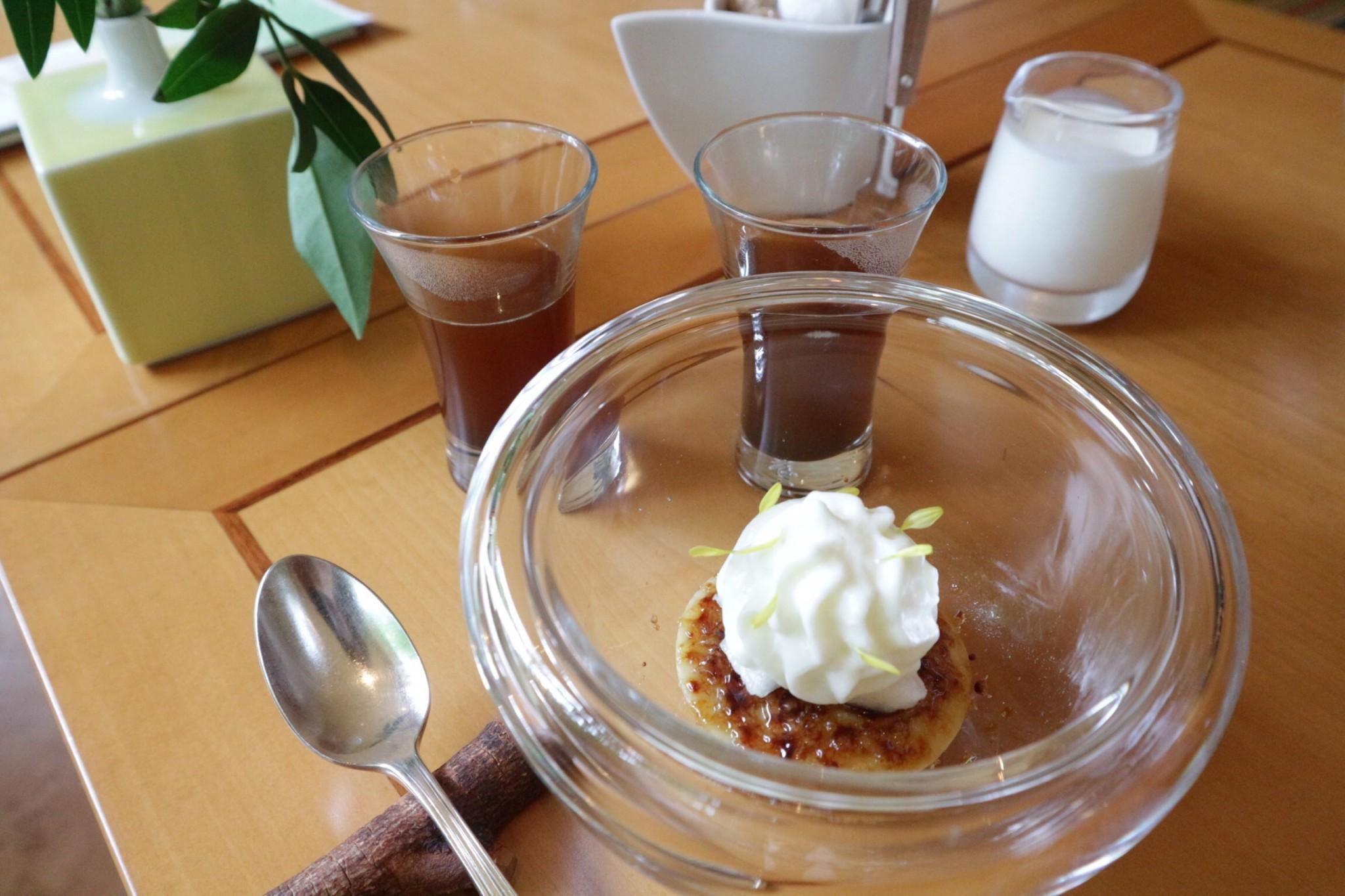 洋ナシとほうじ茶のクレマカタナーラ