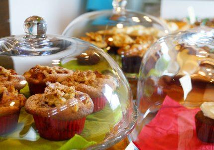 【島の美味菓子と絶景カフェ♪】沖縄出身の料理家が激推し! 地元グルメ2選! #2 【初秋の旅特集】