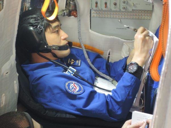 ソユーズ宇宙船シミュレーション訓練を行う大西宇宙飛行士 ガガーリン宇宙飛行士訓練センター