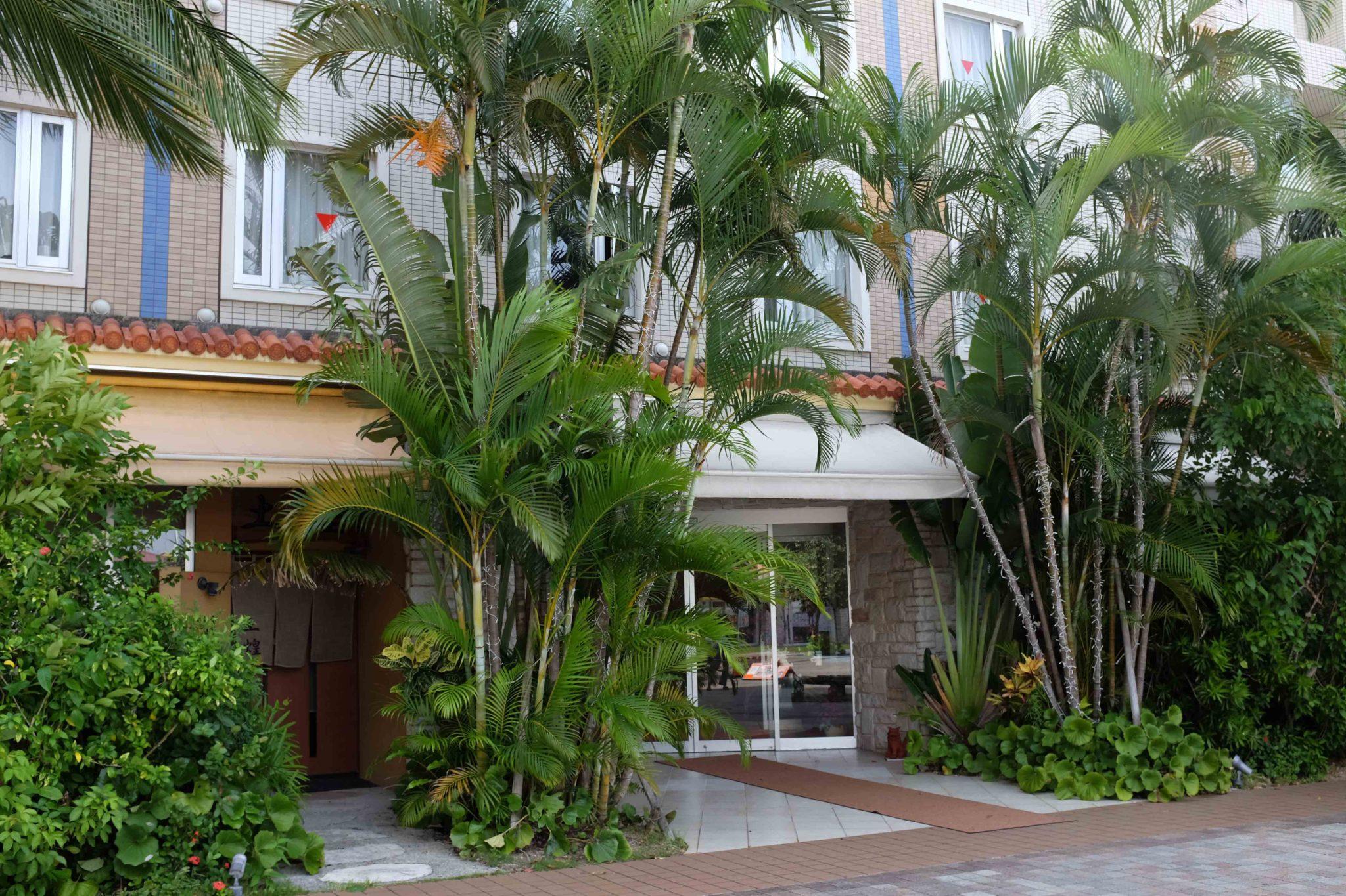 「ホテルグランビュー沖縄」一泊4,814円~。