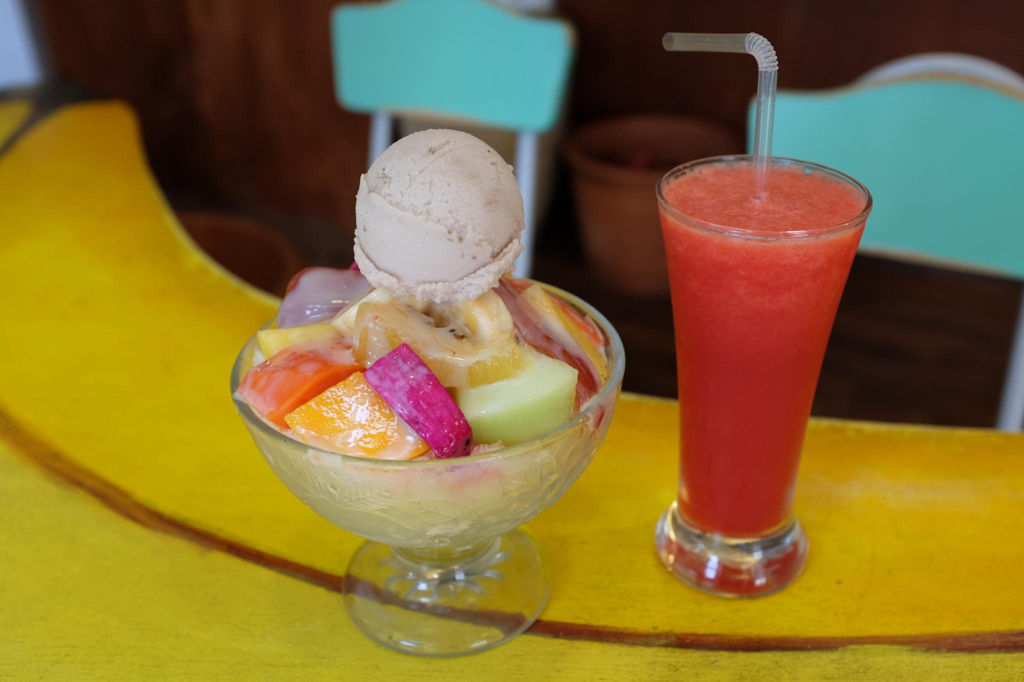 フルーツかき氷(190台湾$)、スイカジュース(80台湾$)。
