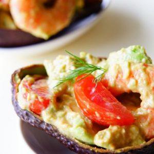 【タウリン豊富でパワーUP!】女子は大好き♡ 簡単パーティーレシピ『海老とアボカドのサラダ』