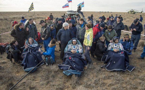 10/30にカザフスタンに無事帰還した、大西さん含む3名の宇宙飛行士