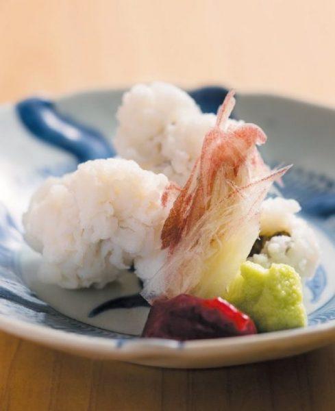 食場 大野の「鱧落とし」は、繊細な鱧の味をストレートに味わう基本の一品。