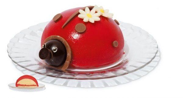 GLACIEL(グラッシェル)の「アントルメグラッセ」1個¥3,600 かわいいてんとう虫、切るとアイスが!
