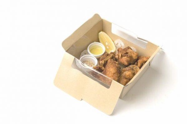 三笠会館 伝統の味 骨付き鶏の唐揚げ 5個入り¥1,100(税込み)