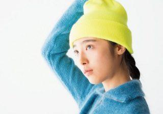 """黄色の帽子、緑のスカート…シックな秋冬に""""あえて""""のカラフルニット♪"""