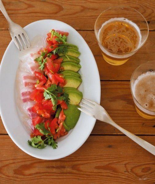 鯛とアボカドのメキシコ風味のサラダ。