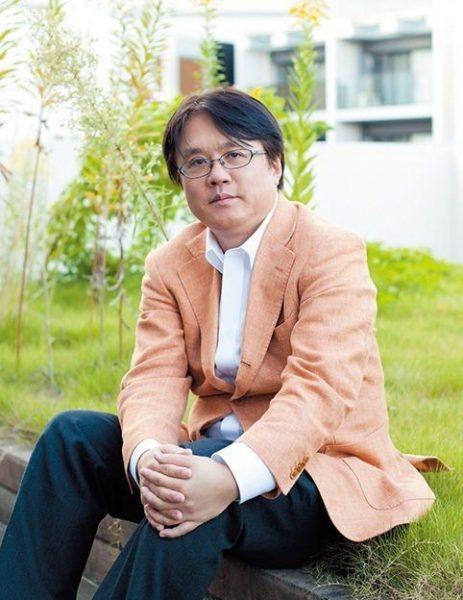 ながえ・としかず 映像作家、小説家。1966年、大阪府生まれ。著者が手がけたフェイク・ドキュメンタリーのTV番組「放送禁止」シリーズで人気を博す。小説『出版禁止』(新潮社)も話題に。