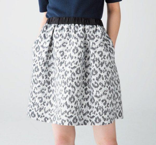上品なレオパードのスカート。