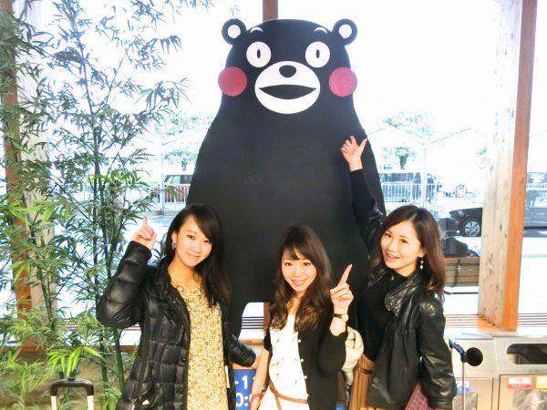 左から木下紗安佳さん(no.53)、部長・遠藤朋美さん(no.65)、尾谷萌さん(no.63)。