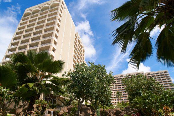 hotel-in-daylight-1280x853
