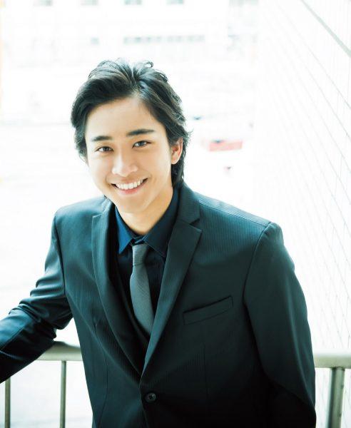 さとう・かんた 1996 年生まれ、福岡県出身。'15 年に劇団EXILEに加入。『HiGH&LOW』のドラマ、映画シリーズに、山王連合会のテッツ役で出演し、注目を集める。