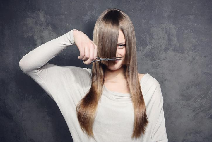 髪の毛切ってイメチェン!