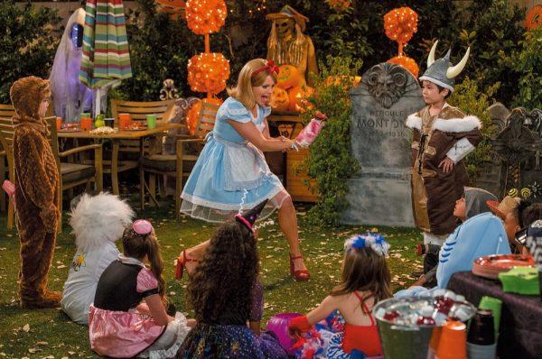 シーズン2は、ハロウィーンや感謝祭、クリスマスといった家族イベントが登場。オーバー30 でもこの仮装ができるD.J.、すげ~。
