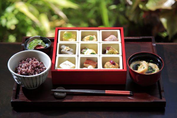 【星のや竹富島】琉球朝食1