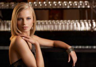 【胸キュン♡アイメイク】#1 Barはうるツヤ濡れまぶたで視線をゲット♡ 美容ライター直伝モテ美容&メイク