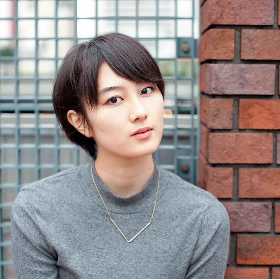 女優・高月彩良はカラオケ大好き! 十八番は山口百恵さんって本当 ...