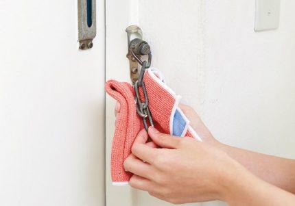 扉を開けたら悪臭なんてNO! 10分カンタン玄関掃除術