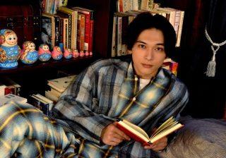 VRで吉沢亮さんが囁く♡ イヴの今夜は王子様の読み聞かせであたたかい「おやすみ」を♡