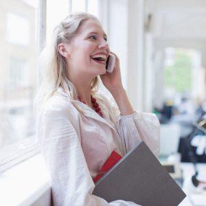 さすが! と思われたい♡ デキ女が実践する正しいビジネスメールのポイント3つ デキるOLマナー&コーデ術 #13