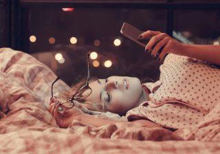 夢にまで出てきちゃいそう♡男性がグッとくる「おやすみLINE」3つ