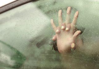 【車のなかで…♡】男子に聞いた! 日常デートで妄想する理想のエッチ3つ