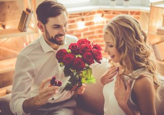 【アァン…もう待てないよ!】男性に「結婚を意識させる」方法3選