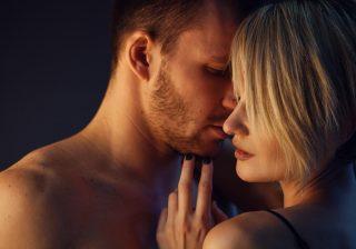 【いやーん…バレバレ!】男が「飽きた女」にだけする残酷エッチ3つ