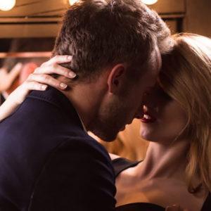 妄想が止まらない…男が密かに憧れるキスシチュエーション
