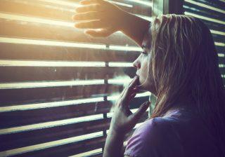 【ネイル、剥げてるし】男性が「幸薄そう」と敬遠しがちな女子の特徴3つ