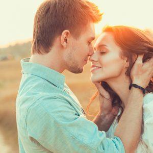 男の秘め事…今カノ・嫁には絶対に言えない忘れられない女の特徴3つ