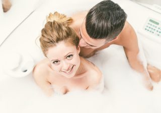 お風呂でイチャイチャ…彼を欲情させるバスタイムテクニック