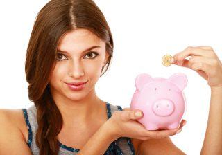 【住居費・食費・交際費】アラサー女子の理想的な「月収配分」