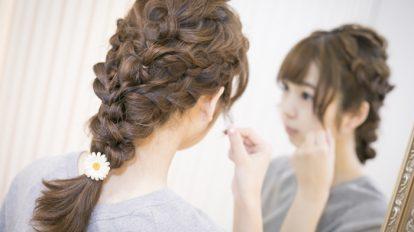 【ロングヘア簡単アレンジ♡】春はインスタジェニックな三つ編みスタ …