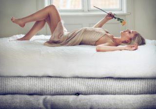 【不眠は香りで解消?】話題のファブリックミストで快眠できるか検証した!