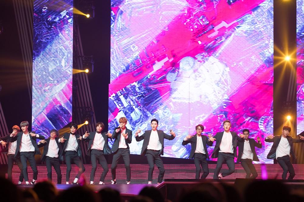 KCON2017JAPAN_MCD_Apeace (2)new