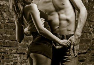 もっと触って…男性が女性にタッチされるとドキっとする意外なパーツ