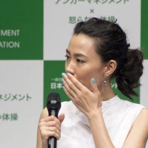 """木村佳乃が """"怒り"""" トーク「チッと舌打ちするんですよ!」"""