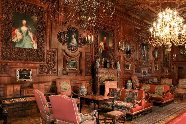 5. Interiér - ranní salón